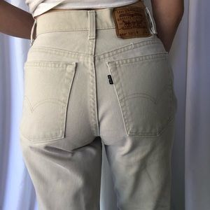 VINTAGE | Levi's 550's Tan Made in USA Woman's cut